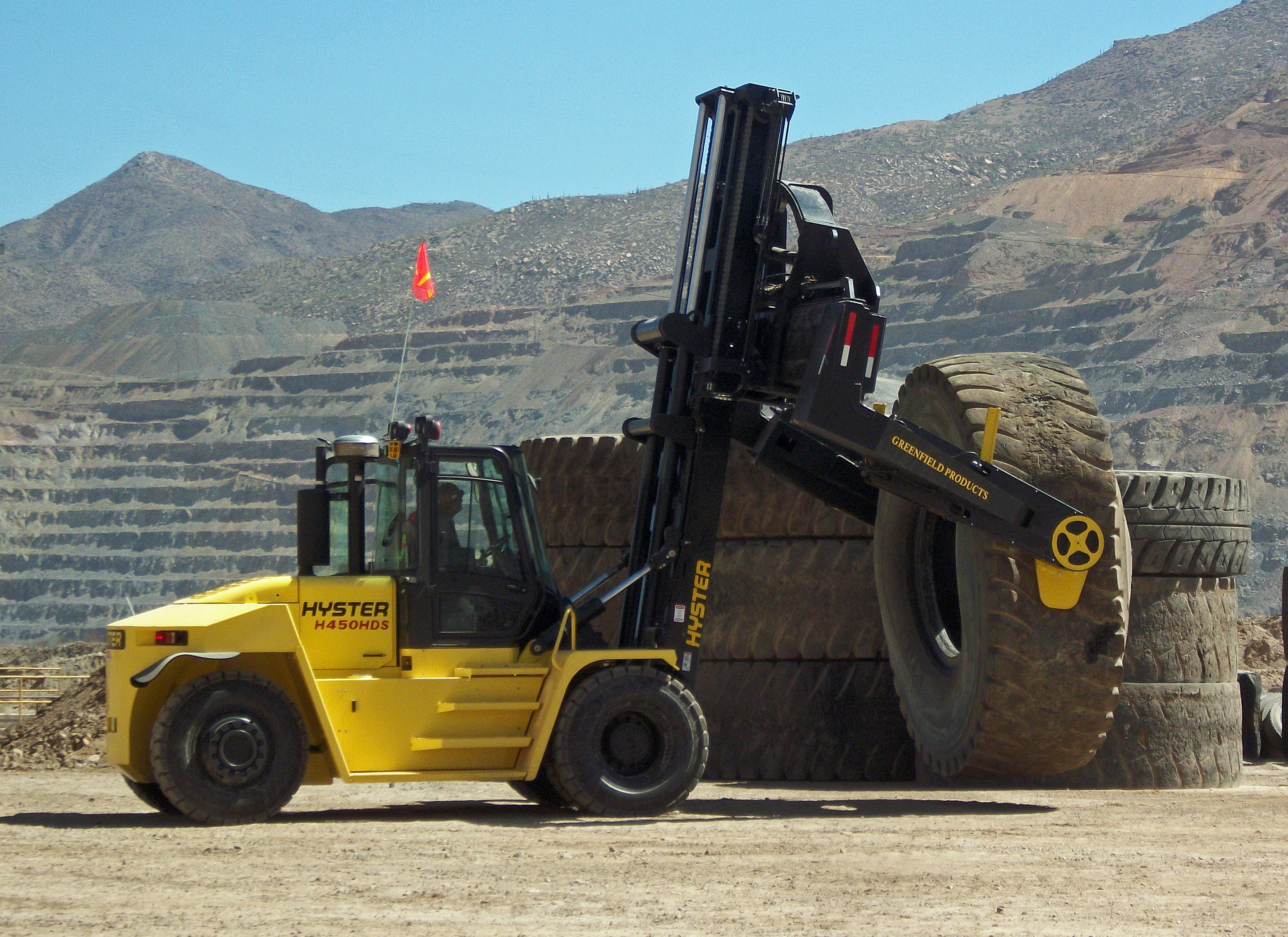 Th22 Greenfieldhyster Tyre Handler Shin Pacific Trading